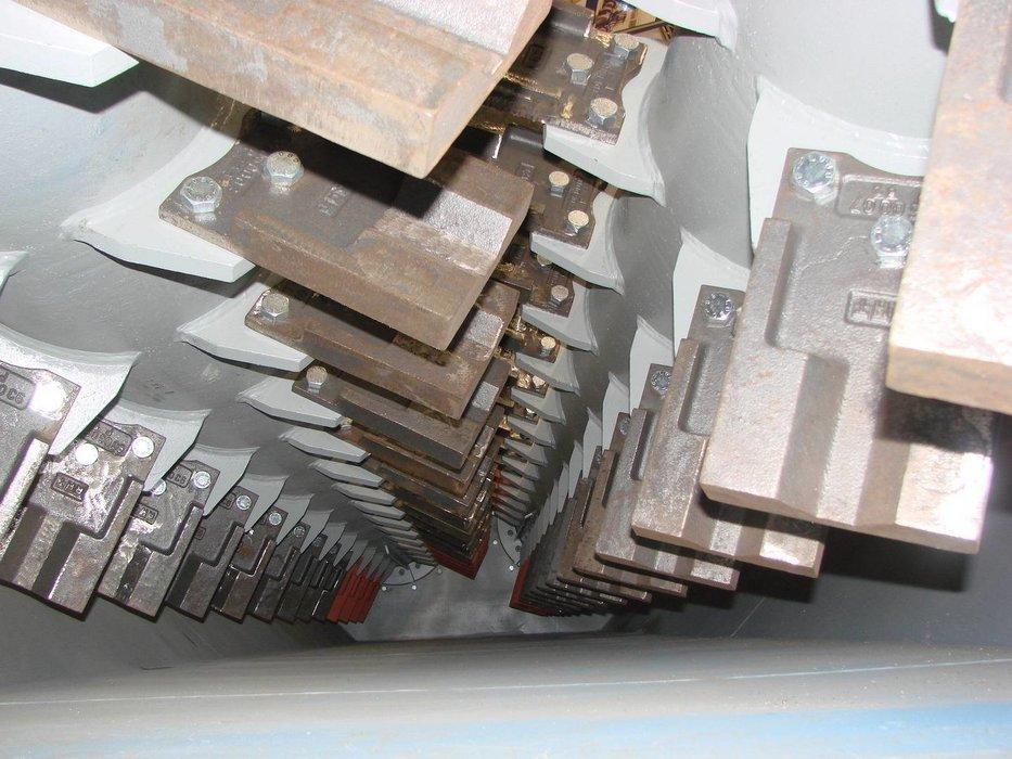 Pracka RHT-hridele s lopatkami v koryte pracky.JPG