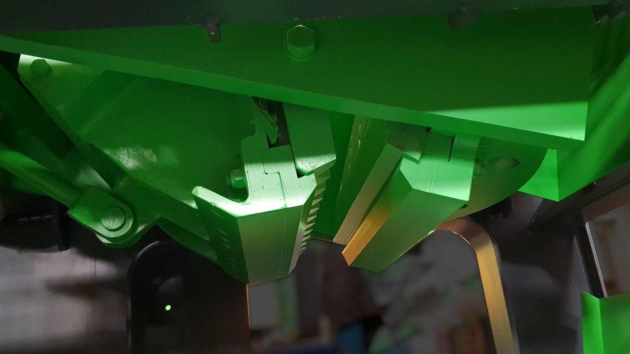 Upevneni spodni casti pevne a pohyblive celisti DCJ900x600.jpg